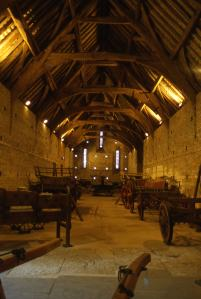 swalcliffe_barn_interior